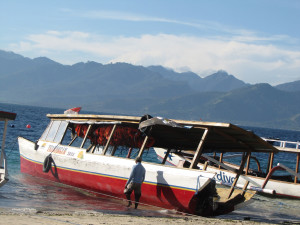 guagua-barca-hacia-lombok