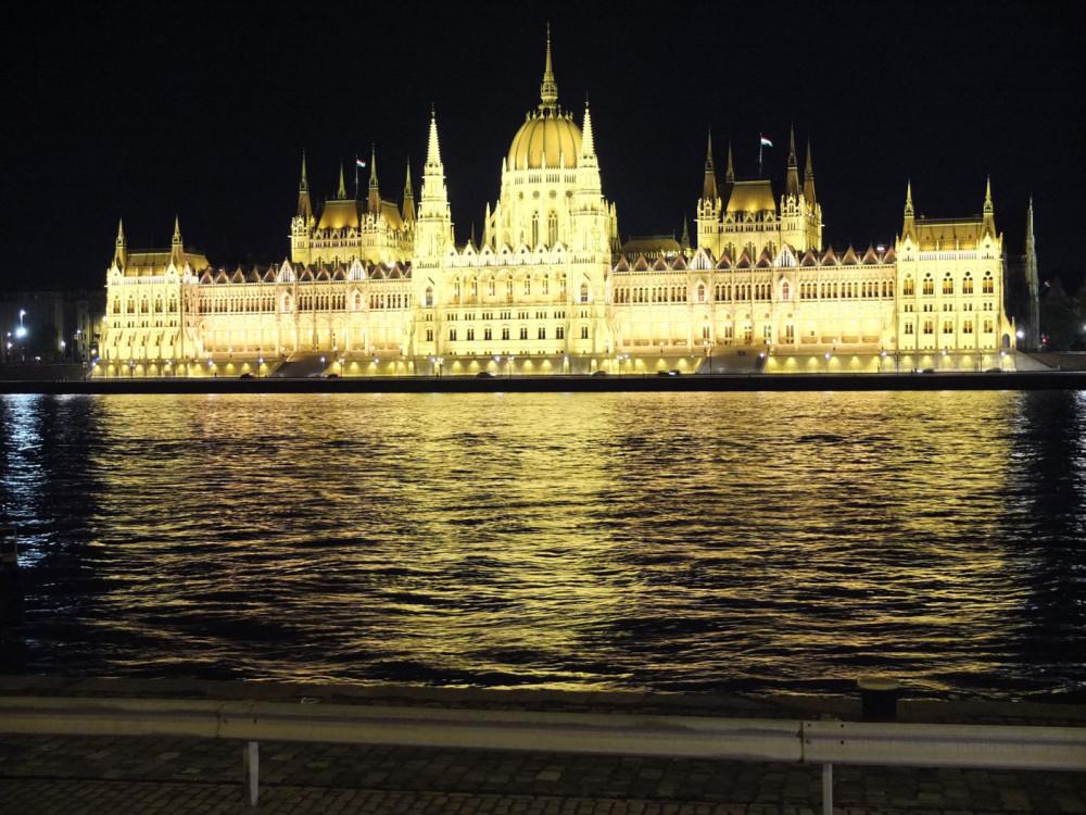 parlamentonoche