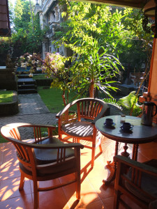 desayuno-en-el-jardín