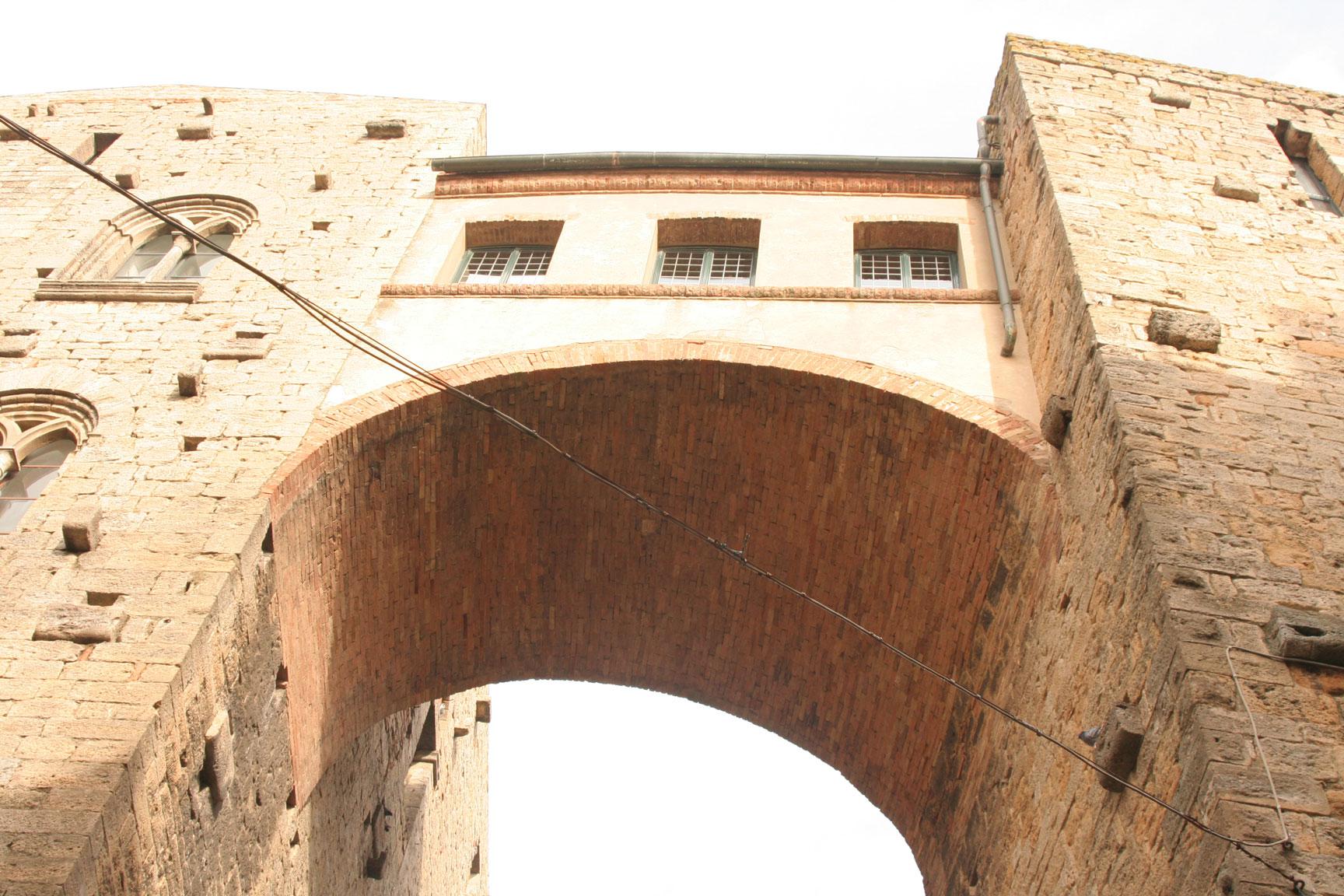 Volterra un hermoso pueblo de la toscana nubes viajeras for Casa volterra