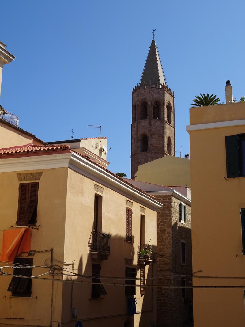 campanario-catedral-alghero--nubesviajeras